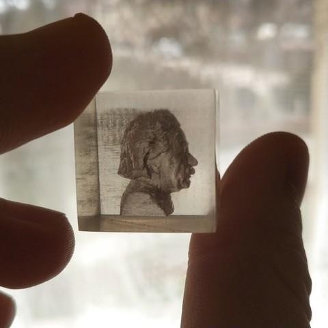 ccc2e8b9fd2d221f54477582f64716f7_display_large.jpg Télécharger fichier STL gratuit Buste d'Albert Einstein encastré - Impression 3D transparente • Design à imprimer en 3D, pawlo444444