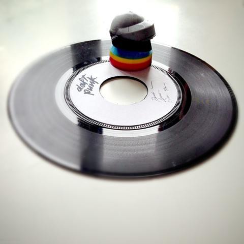 7_inch_vinyl_adapter_-_Thomas-daft_punk21_display_large.jpg Télécharger fichier STL gratuit Adaptateur vinyle 7 pouces-Thomas-daft punk • Plan à imprimer en 3D, Slagerqod