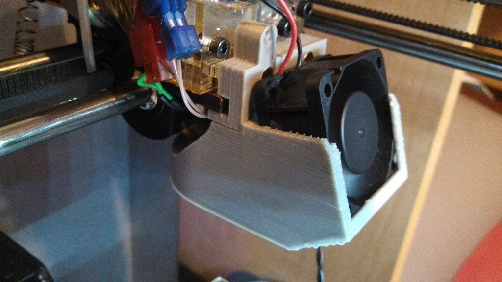 IMG_20130511_183104_380_display_large.jpg Télécharger fichier STL gratuit Support de ventilateur et conduit en bois massif - 40mm x 20mm • Plan imprimable en 3D, Khuxtan