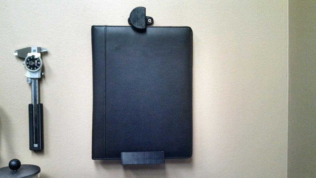 IMG_20130820_152747_220_display_large.jpg Download free STL file Cam-Locking Tablet Wall Mount • 3D print model, Laevalia