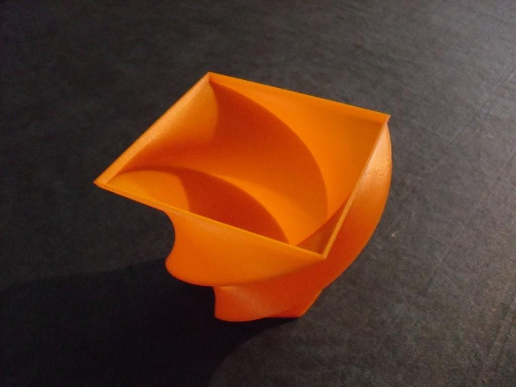 CIMG0565_display_large.jpg Télécharger fichier STL gratuit Vase • Objet à imprimer en 3D, Wailroth3D