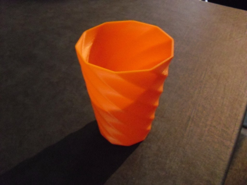 CIMG0588_display_large.jpg Download free STL file Vase • Object to 3D print, Wailroth3D