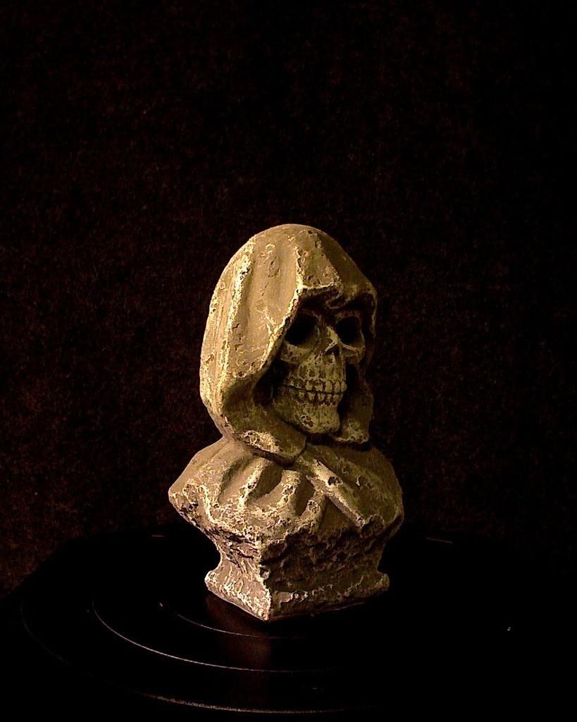 photo_display_large.jpg Download free STL file Grim Reaper • 3D printable object, Skyralris