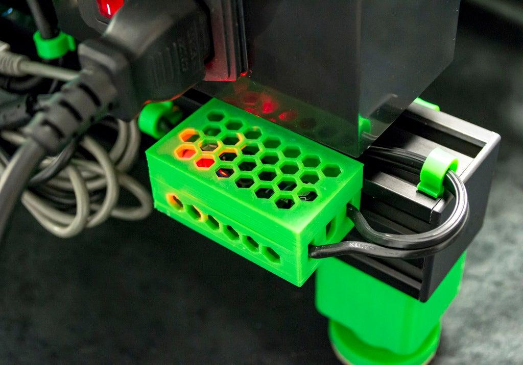 088576799f43fb9026177fff5c1487cd_display_large.JPG Download free STL file LM2596 and LM2596S Buck converter tool-less snap-fit enclosure - Ender, CR-10, 2020 • 3D printer template, FedorSosnin