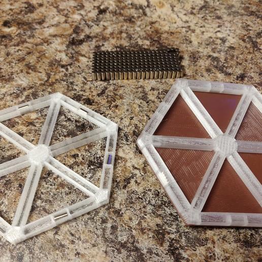 IMG_20181127_141917.jpg Télécharger fichier STL gratuit Base magnétique Catan Aimants cylindriques 6x3 mm • Objet pour imprimante 3D, Nacelle