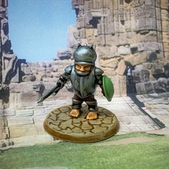 Descargar archivo 3D gratis Halfling Heavy Hero - 28mm Miniatura, BigMrTong