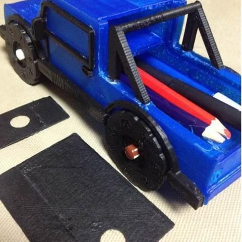 Truck_crop2_display_large.jpg Download free STL file Rolling Ruler / Truck Pencil Case - #backtoschool • 3D print model, Dournard