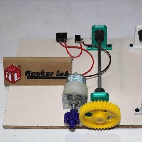 Fichier imprimante 3D gratuit Gobelet rotatif de bricolage à faible coût utilisant des pièces robotisées et des pièces d'imprimante, Aakaar_Lab