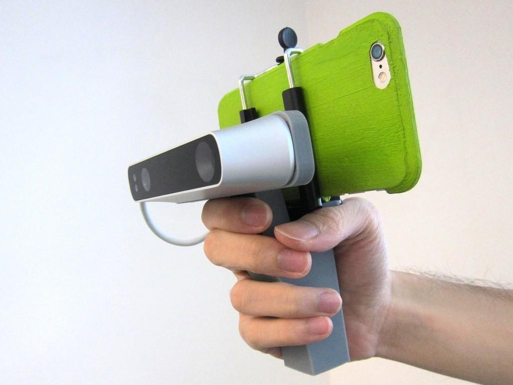 IMG_1471_display_large.JPG Download free STL file iPhone 5,6 Structure Sensor Grip • 3D printable model, Istareyn