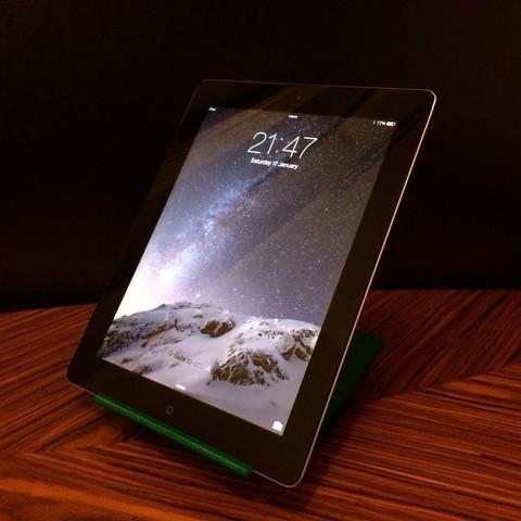 Télécharger STL gratuit Support 3 niveaux pour iPad2, Urukgar4D