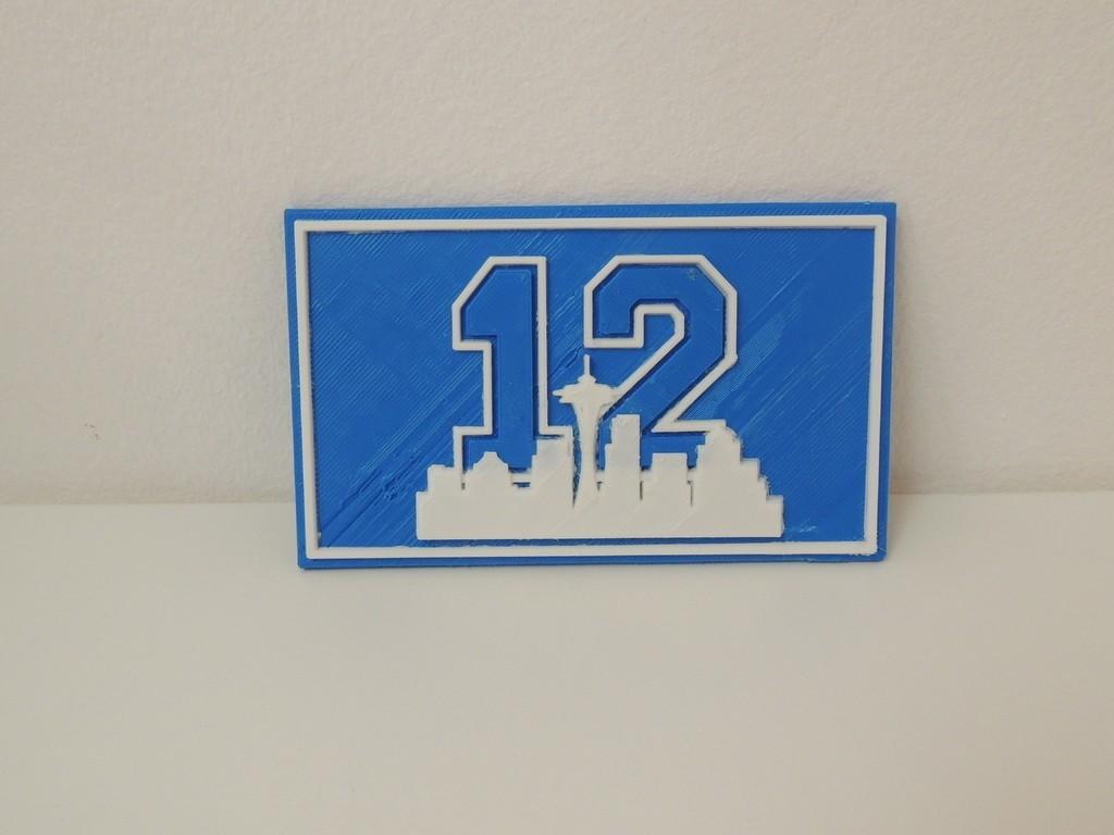 DSCN0571_display_large.JPG Télécharger fichier STL gratuit Plaque du 12e homme de Seattle • Plan imprimable en 3D, Bolrod