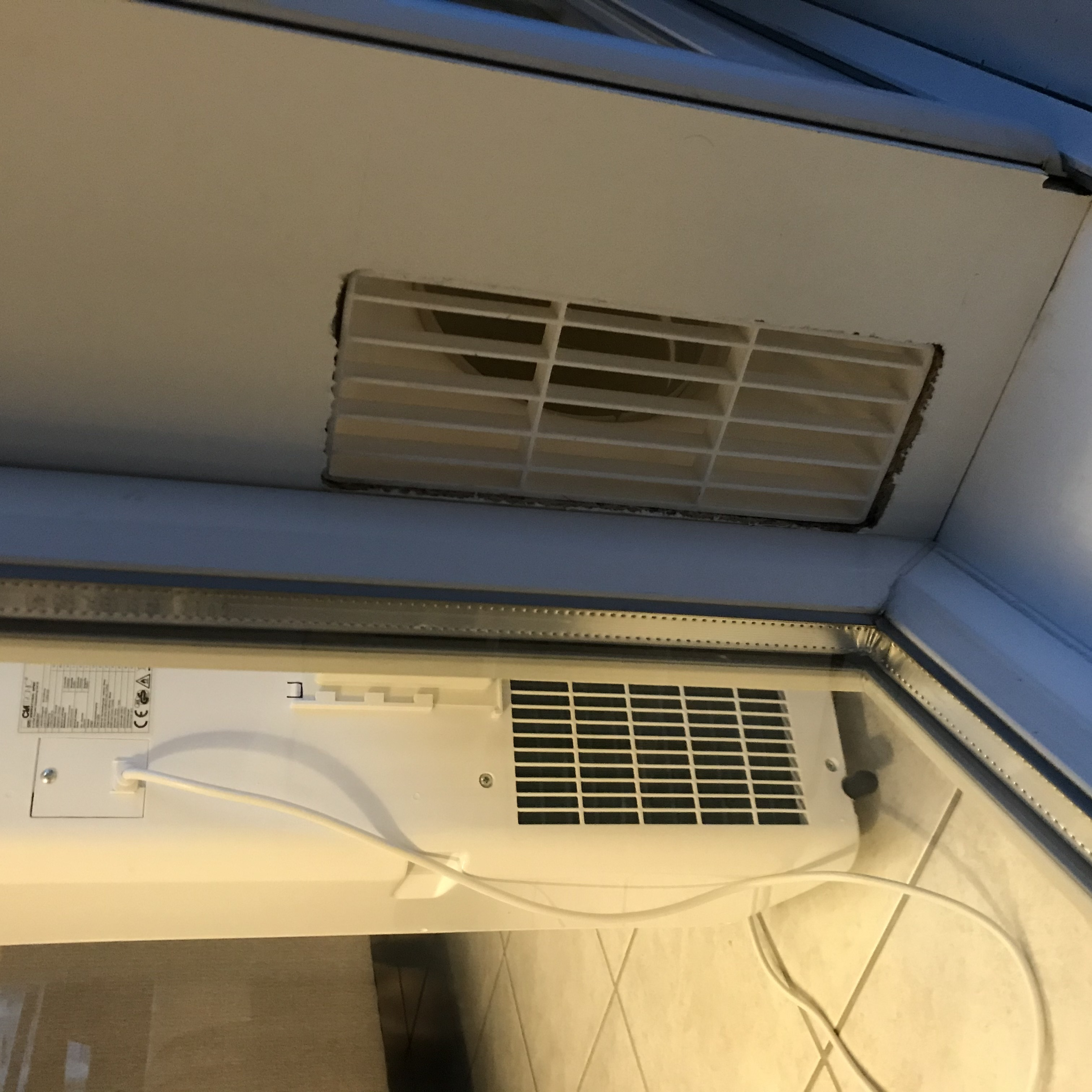 IMG_8765.JPG Download free STL file Mobile air conditioner vent • Object to 3D print, uhgues