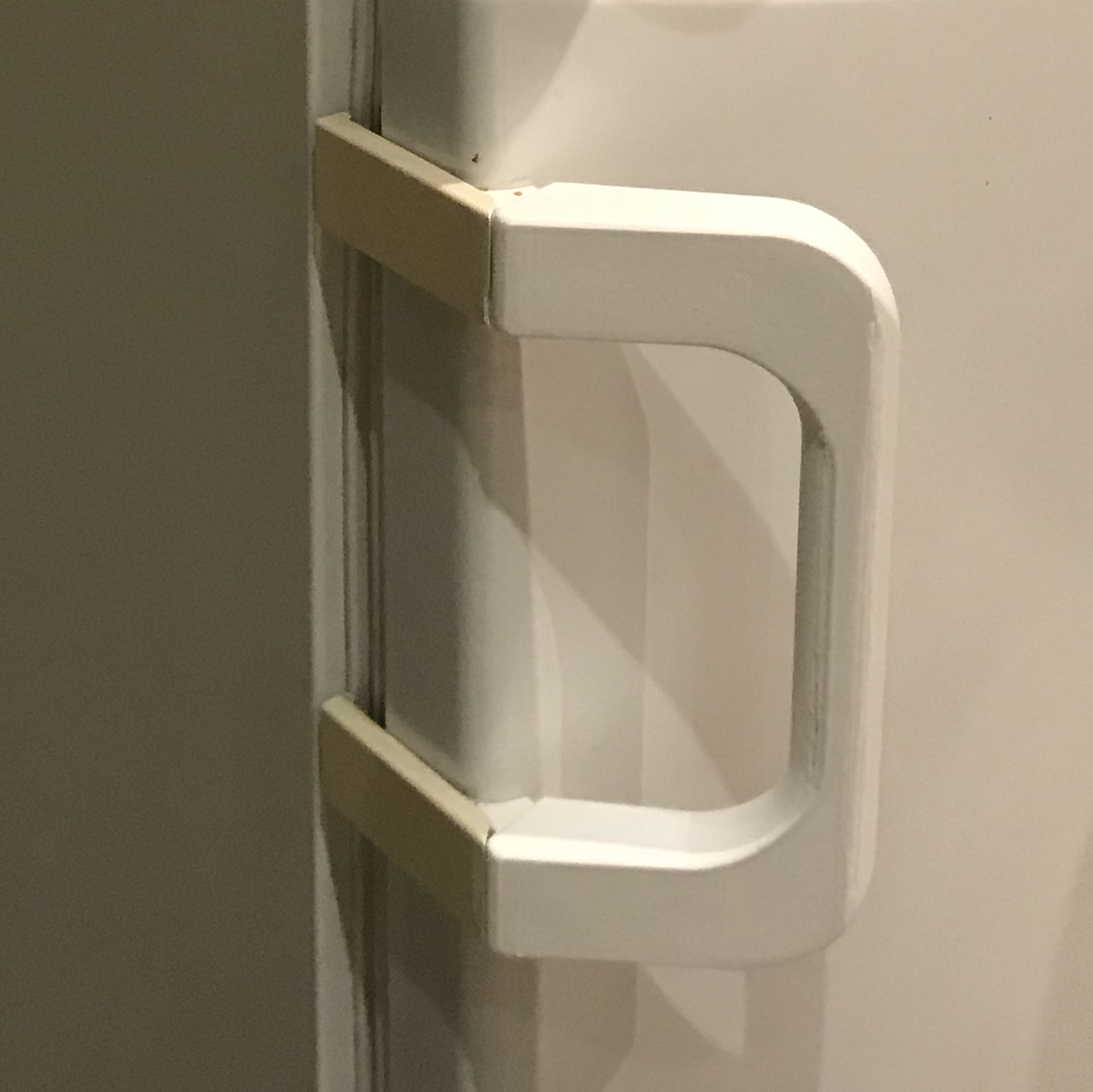 PoigneeMieleReal.png Download free STL file MIELE fridge handle replacement part • Model to 3D print, uhgues