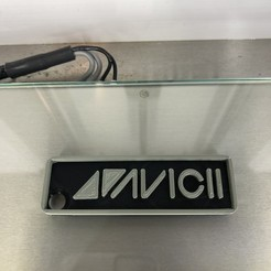 IMG_3645.jpg Télécharger fichier STL gratuit Porte-clés : Avicii • Design pour impression 3D, IdeaLab