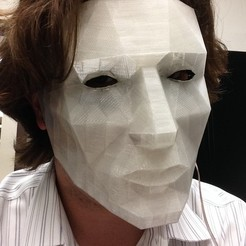 Free 3D printer designs LED low poly mask, Yipcott