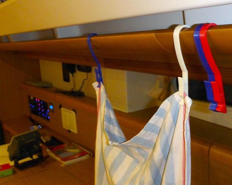handrail_hanger_display_large.jpg Download free STL file Handrail hanger peg for boat • 3D print design, Girthnath