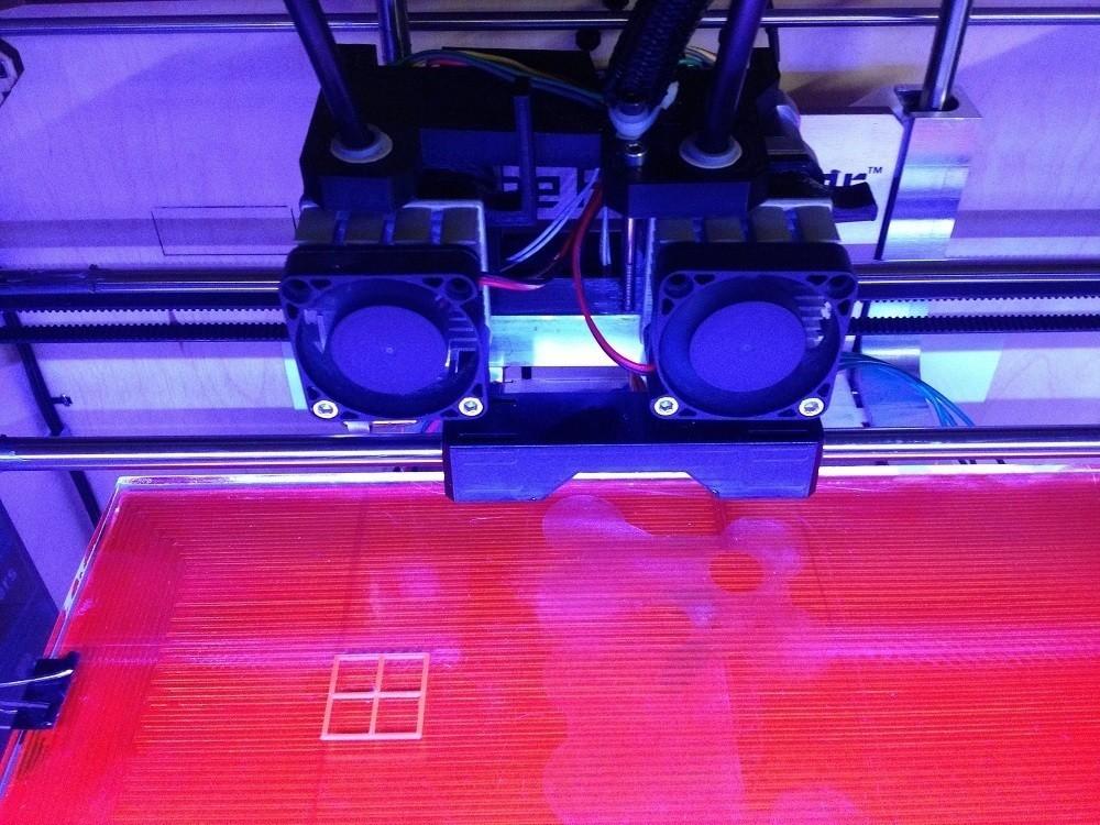 75mm_Wide_display_large.jpg Télécharger fichier STL gratuit Largeur d'espacement des buses de 75 mm • Objet à imprimer en 3D, Bolnarb