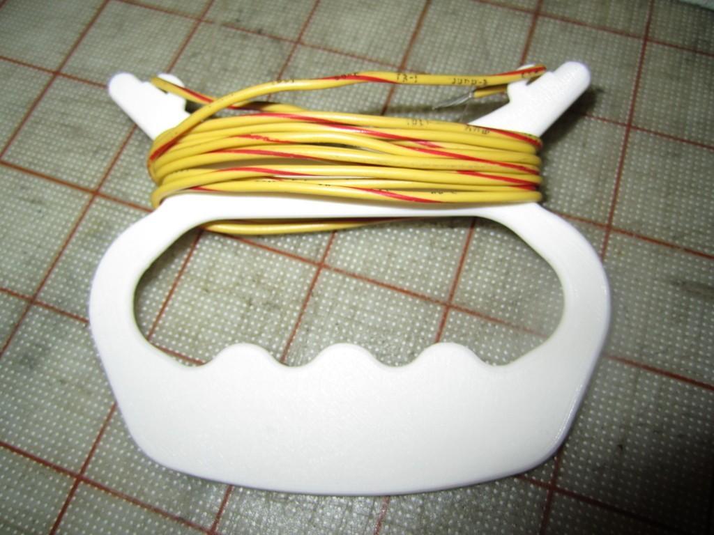 IMG_1654_display_large.jpg Download free STL file Hand Held String Winder • Model to 3D print, Tarnliare