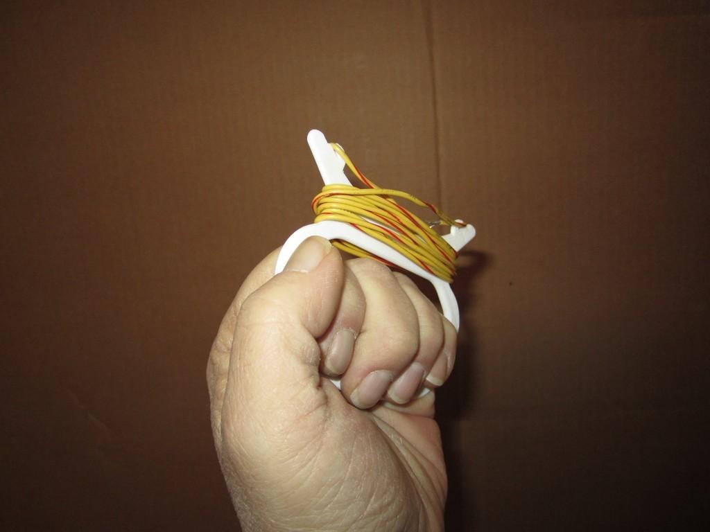 IMG_1653_display_large.jpg Download free STL file Hand Held String Winder • Model to 3D print, Tarnliare