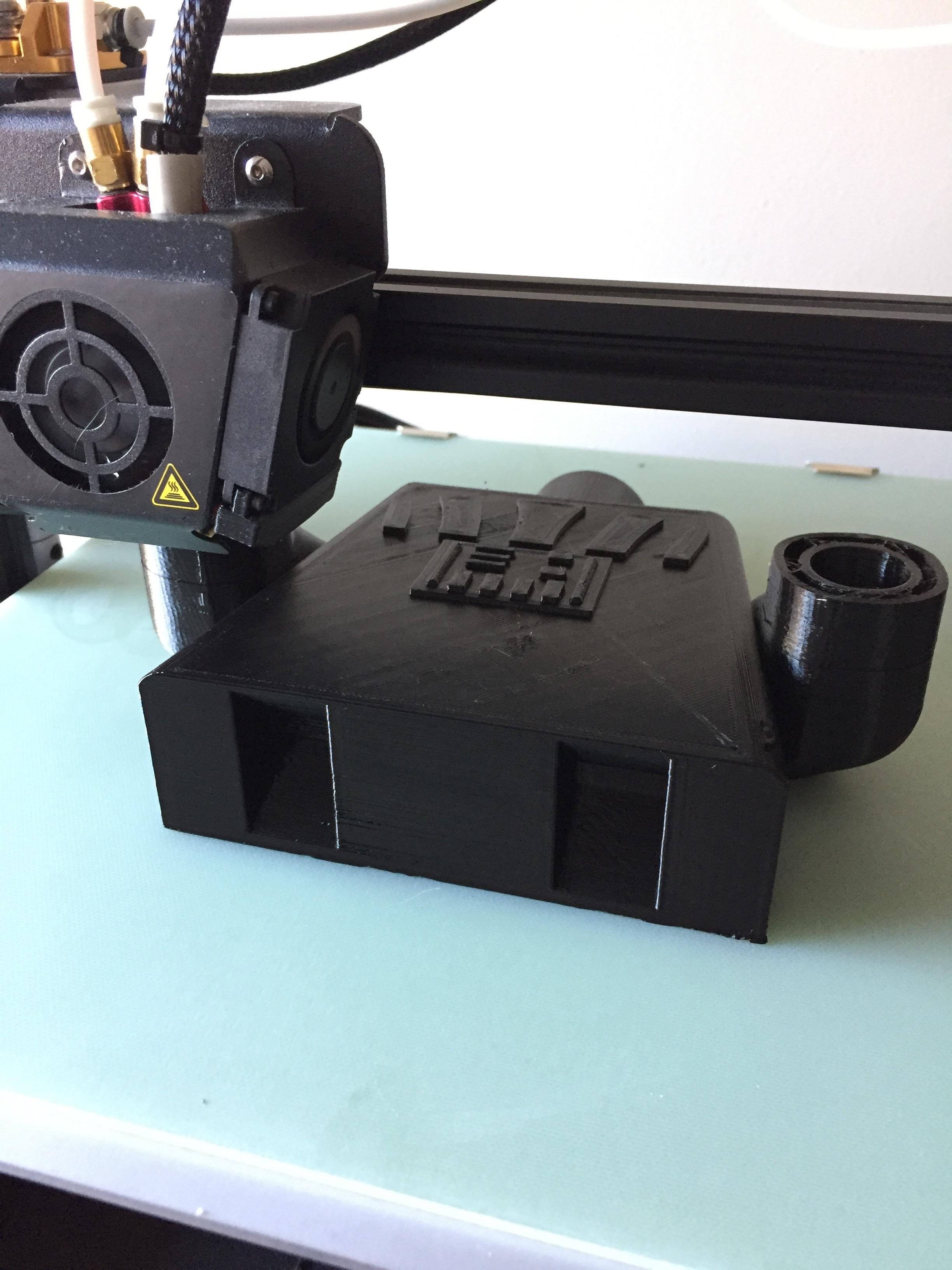 IMG_2579.jpg Télécharger fichier STL gratuit Dark Vador géant Porte-légo en papier toilette • Design à imprimer en 3D, laurentpruvot59