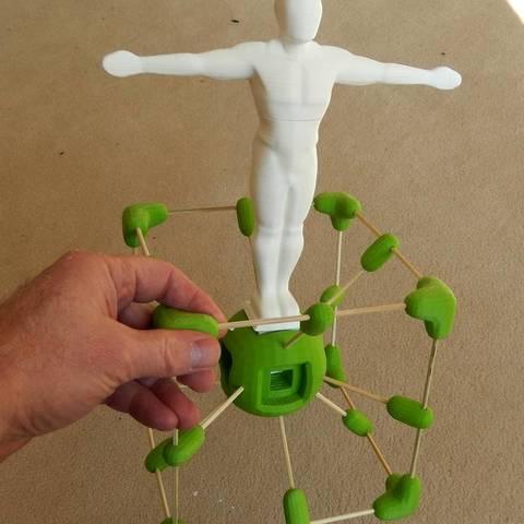 Télécharger STL gratuit Le Man : statue pour le cube de brochettes de bambou, Minweth
