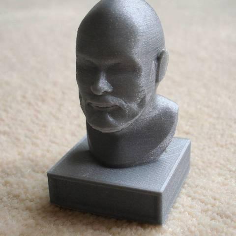 Télécharger fichier 3D gratuit Homme barbu, Minweth