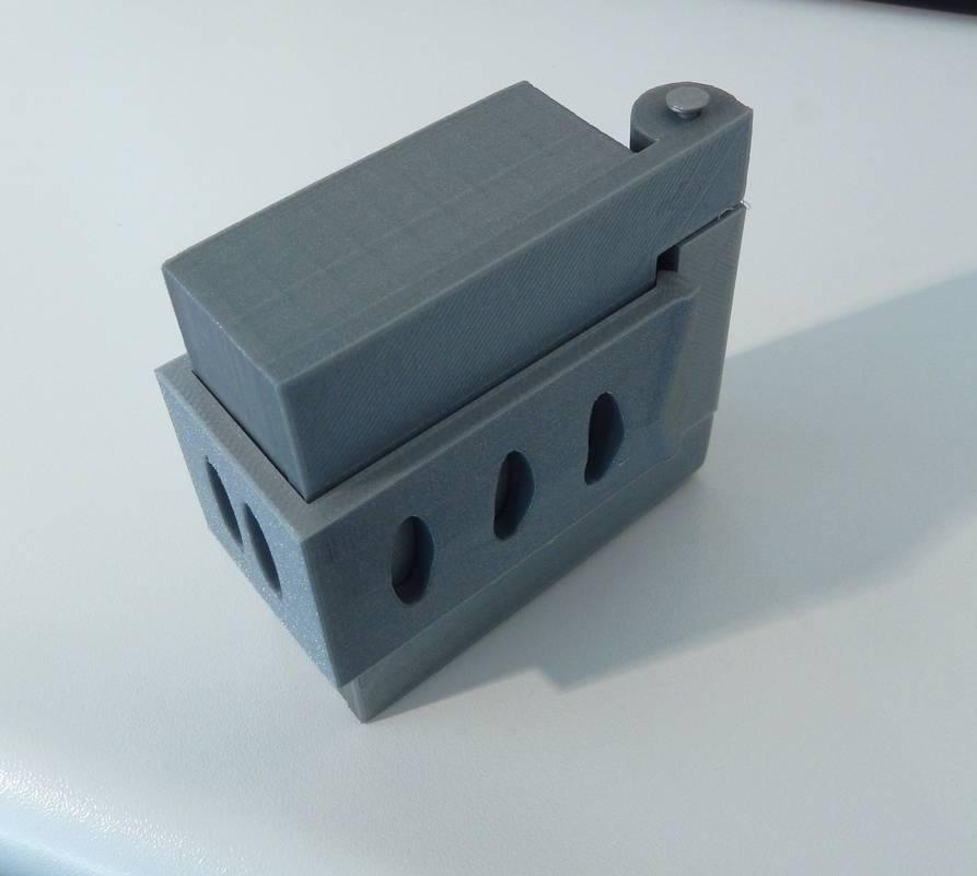 DSCN0153_display_large.JPG Download free STL file Box with hinge • 3D printable design, Minweth
