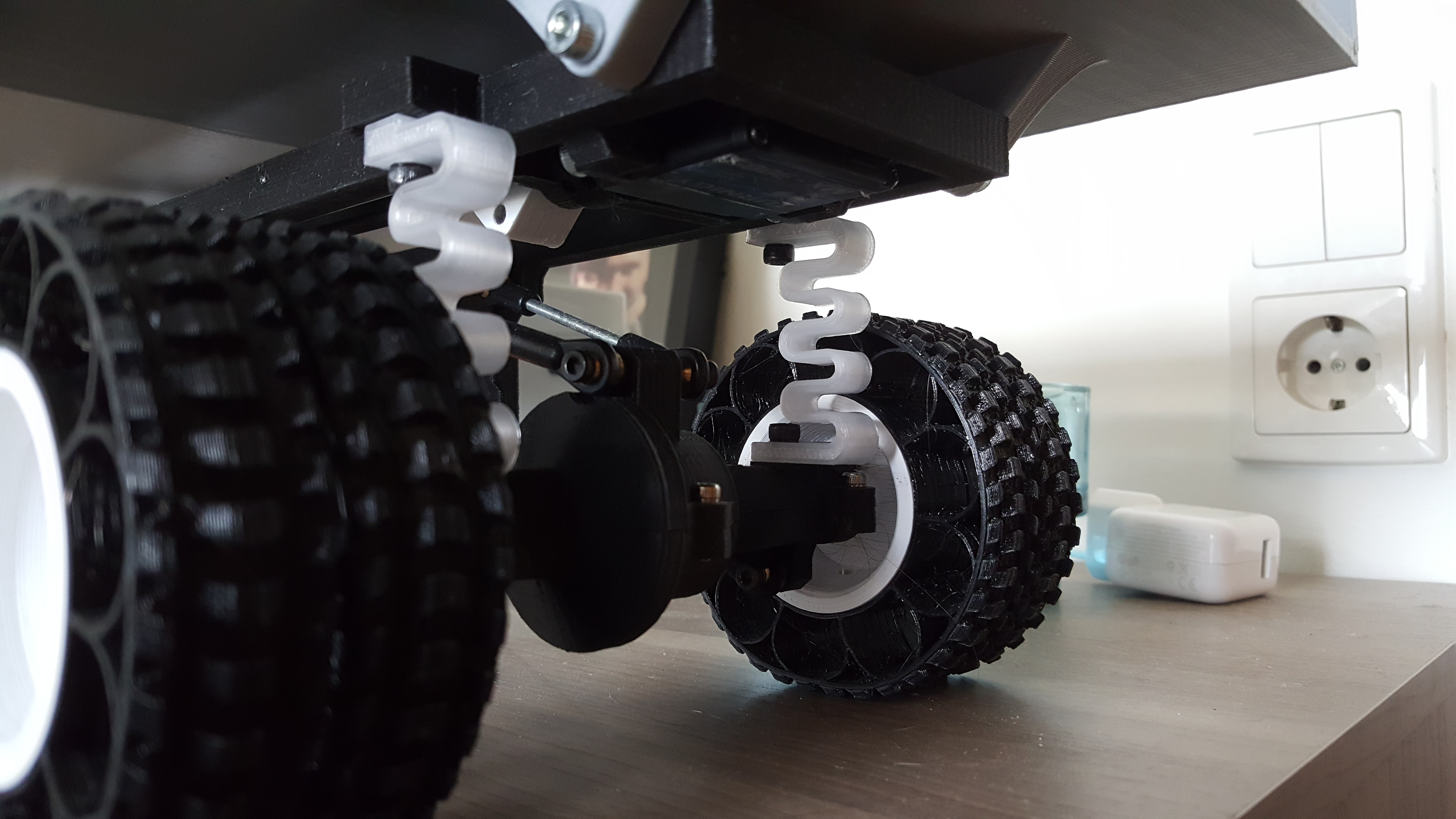 19.jpg Download free STL file Printed truck V2: PLA springs • 3D printer object, MrCrankyface