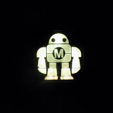 DSCN0232_display_large.JPG Télécharger fichier STL gratuit Maker Faire LED Enseigne de robot / veilleuse de nuit • Objet à imprimer en 3D, Balkhagal4D