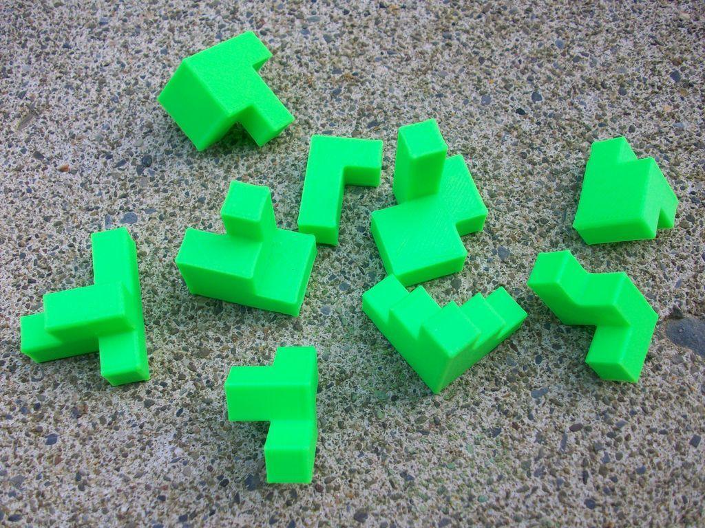 puzzlecube_2_pieces_display_large.JPG Télécharger fichier STL gratuit Mini Puzzle Cube Impossible • Objet pour imprimante 3D, Balkhagal4D