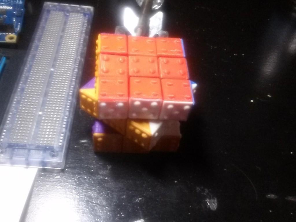 CAM00318_display_large.jpg Télécharger fichier STL gratuit CUBE! Fully Functional... EASY PRINT... 3x3x3 cube • Plan imprimable en 3D, Balkhagal4D