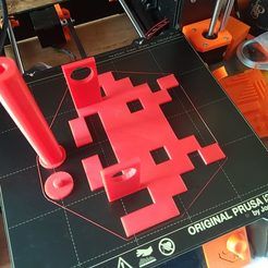 Free 3D printer files Space Invader Toilet Paper Holder, Manu_Burgundy