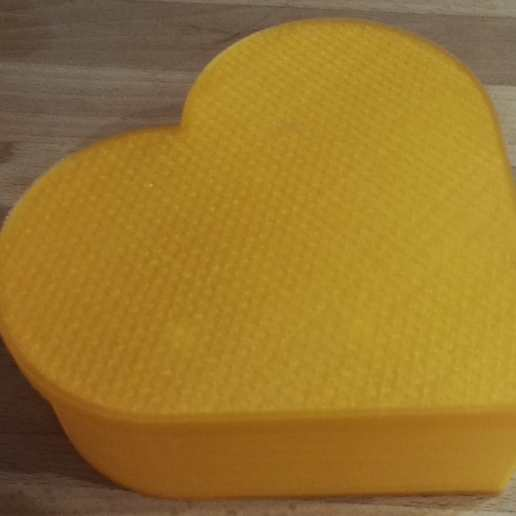 IMG_20170427_212642.jpg Download free SCAD file Heart planter / box • 3D print template, gillesromani