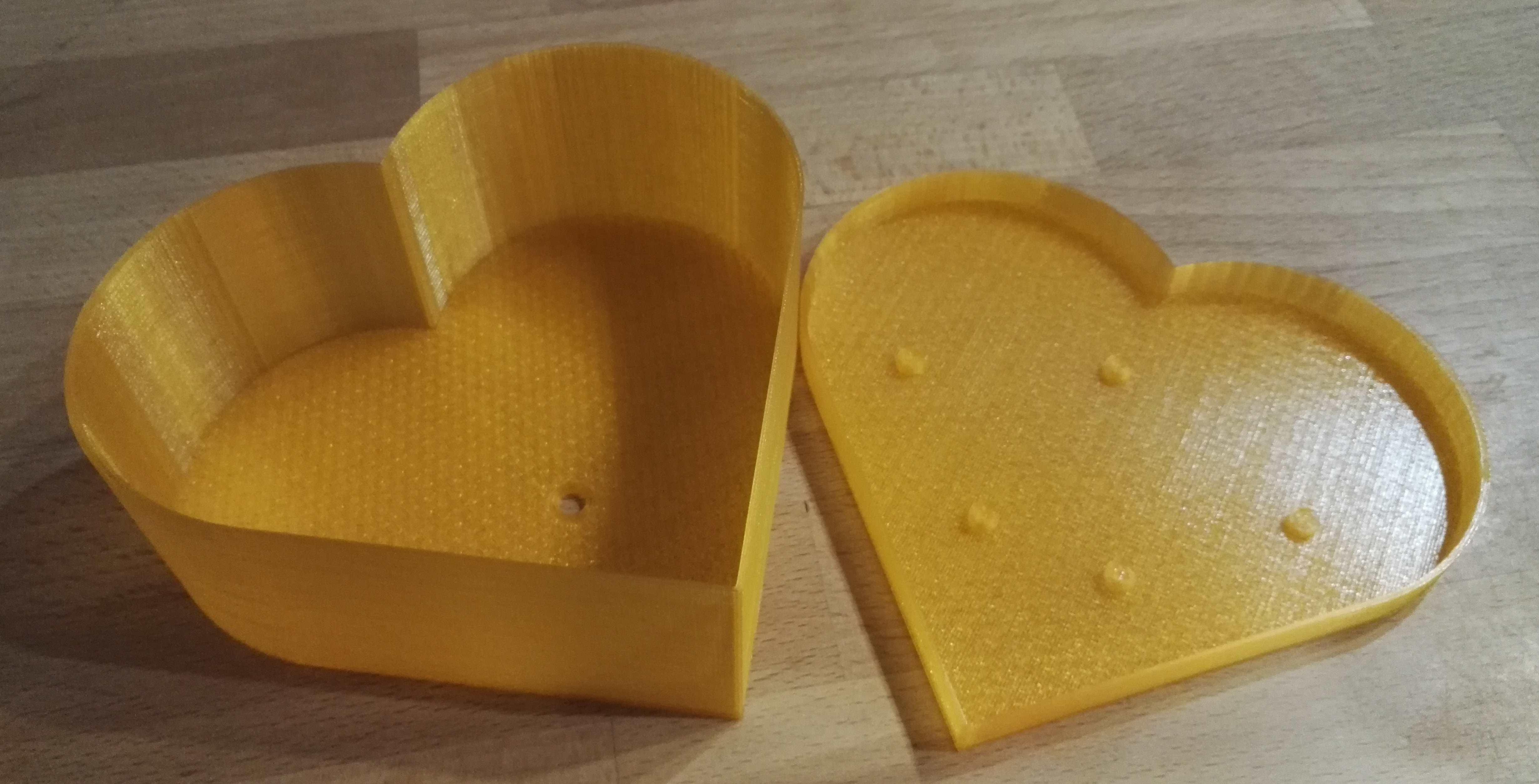 IMG_20170427_212657.jpg Download free SCAD file Heart planter / box • 3D print template, gillesromani