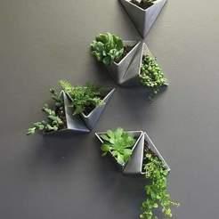 MacetasTriangulos.jpg Download STL file Triangle and Cone Pots • 3D printer object, AsDfog