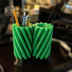 Free 3D printer model Helical Gear Pencil Holder, mkellsy
