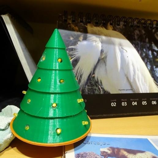 Télécharger plan imprimante 3D gatuit Jour 7 : Sapin à led, enguerrand