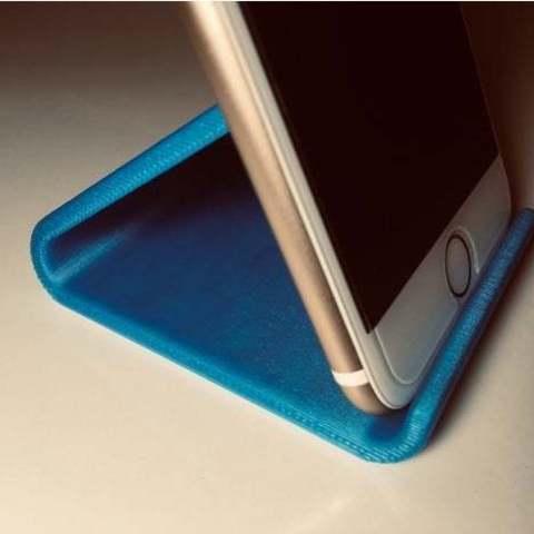 Imprimir en 3D gratis Soporte para teléfono con el logotipo de Cupcake, shasha