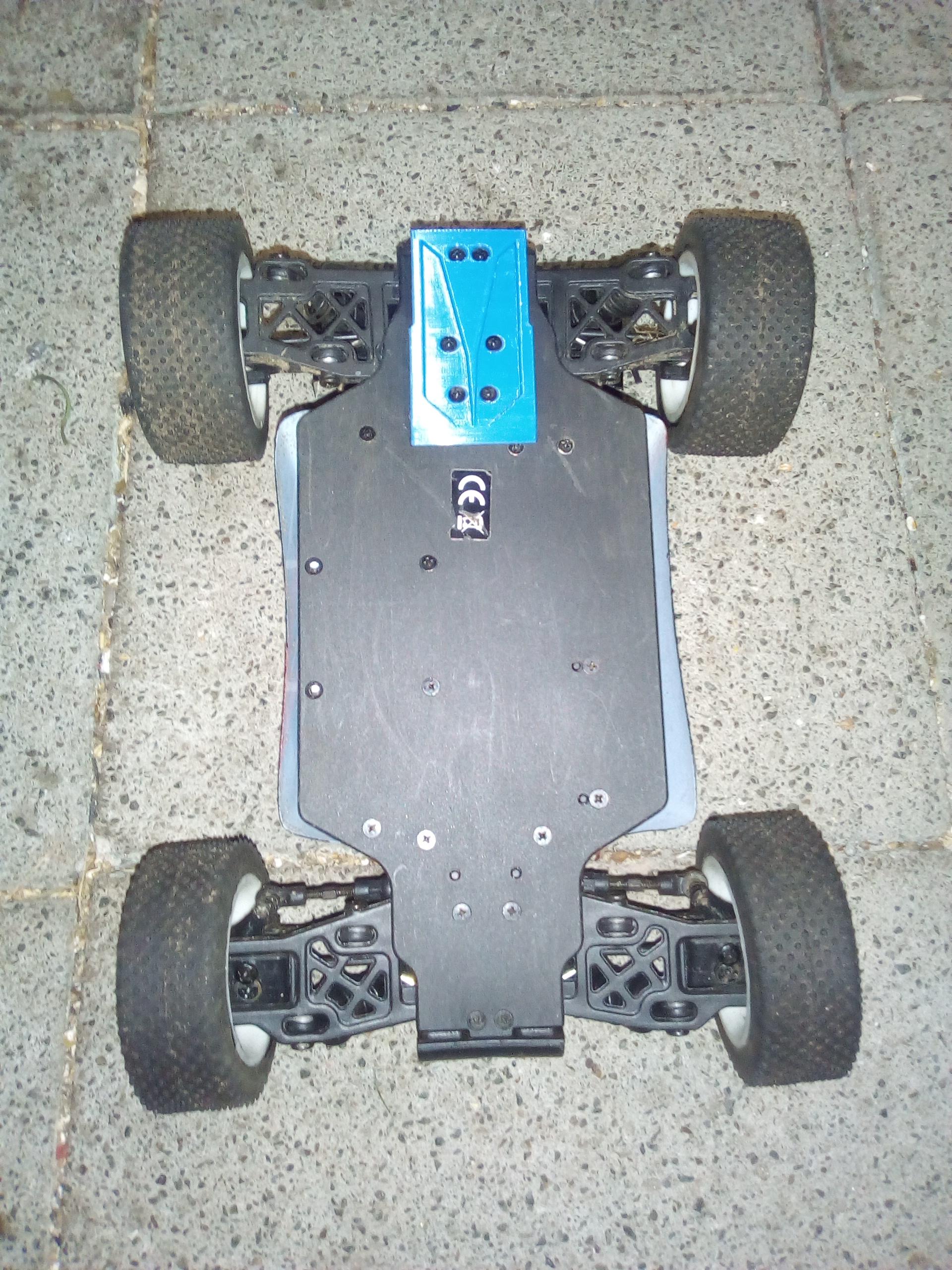 IMG_20190312_203650.jpg Télécharger fichier STL gratuit Couvre-bagages Turnigy 1/16 AWD 1/16 à l'arrière avec patin à bogie et protection pour engrenages cylindriques • Modèle imprimable en 3D, peterbroeders