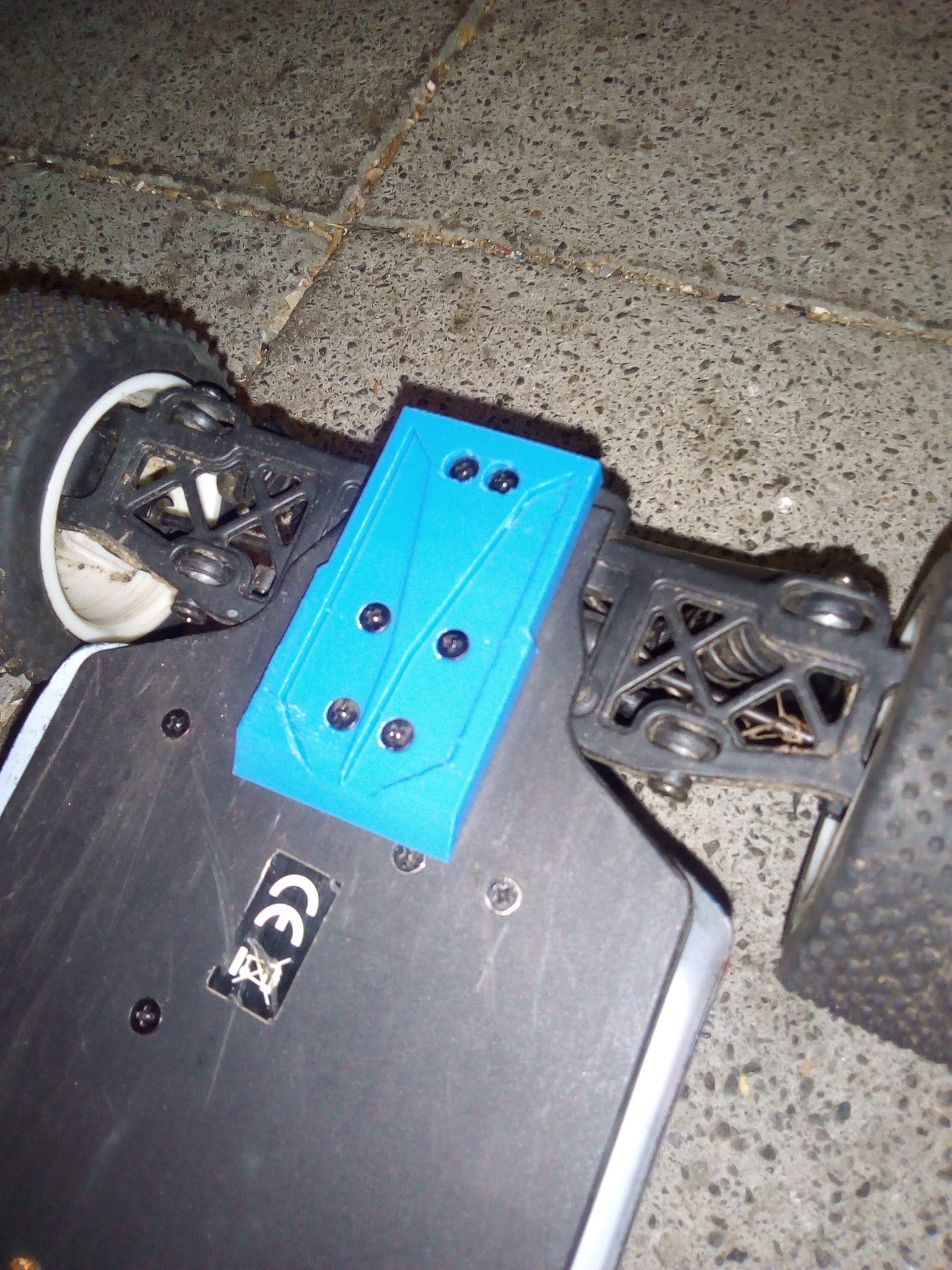 IMG_20190312_203659.jpg Télécharger fichier STL gratuit Couvre-bagages Turnigy 1/16 AWD 1/16 à l'arrière avec patin à bogie et protection pour engrenages cylindriques • Modèle imprimable en 3D, peterbroeders