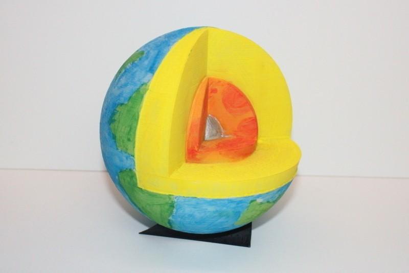 IMG_1895_Crop_display_large.jpg Download free STL file Cutaway Earth Model • 3D print object, Pwenyrr
