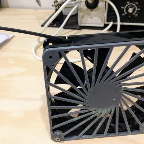 Diseños 3D gratis Tapa de abanico de 120mm (para la viuda negra de Tevo), CD_FER