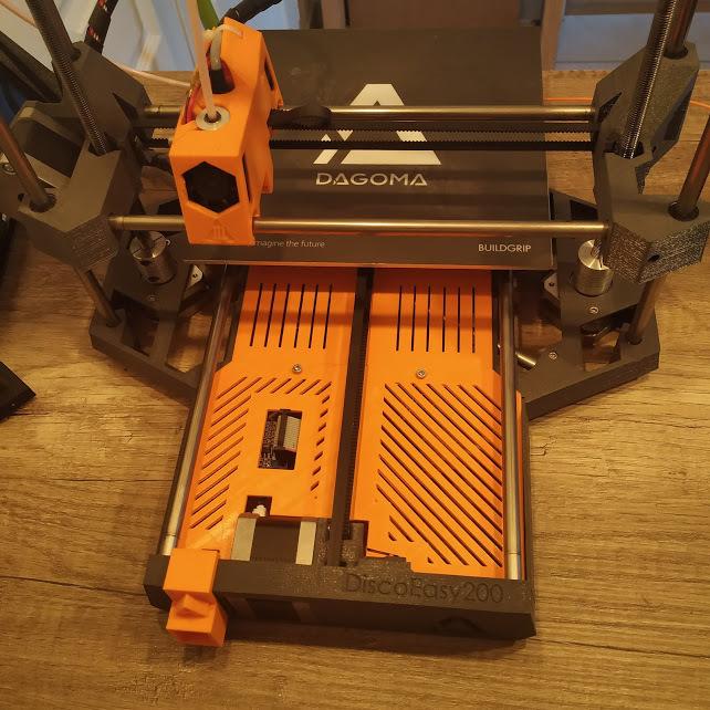 IMG_20190513_211145.jpg Télécharger fichier STL gratuit DiscoEasy 200 - Cache électronique (sous plateau) • Design pour imprimante 3D, BakoProductions