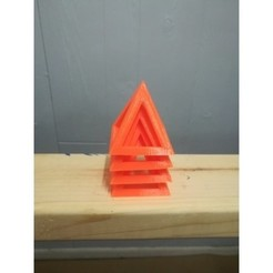 Free 3D printer model Stackable Painting Pyramid, DraftingJake