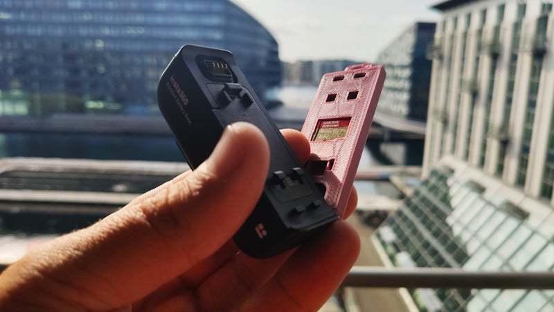 PSX_20200804_090734.jpg Télécharger fichier STL gratuit Insta360 ONE R 2in1 couvercle de pile • Modèle pour imprimante 3D, FiveNights