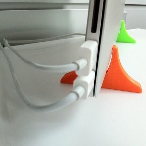 Free 3D printer files MacBook AIR Vertical Stand, Rowynolon
