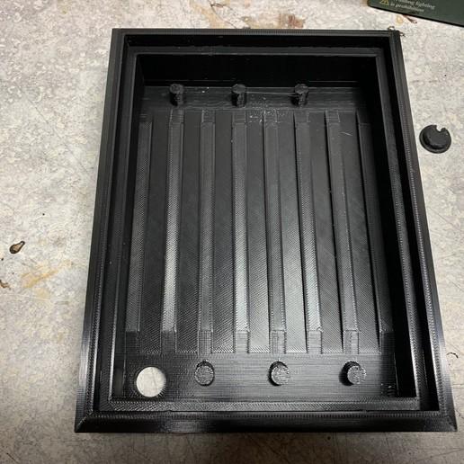 Photo_Feb_04_12_32_44_PM.jpg Download free STL file Lithophane Stand Light Box LED • Model to 3D print, HoytDesign
