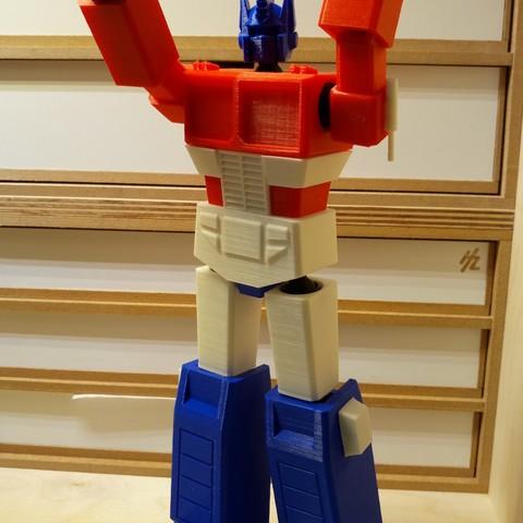 Télécharger objet 3D Faible Poly Optimus Prime, Eliot