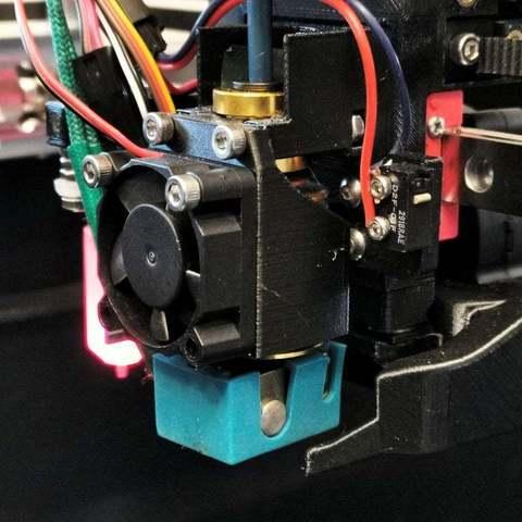 Télécharger fichier STL gratuit Railcore II E3D V6 Clip de retenue combiné avec support de ventilateur, zx82