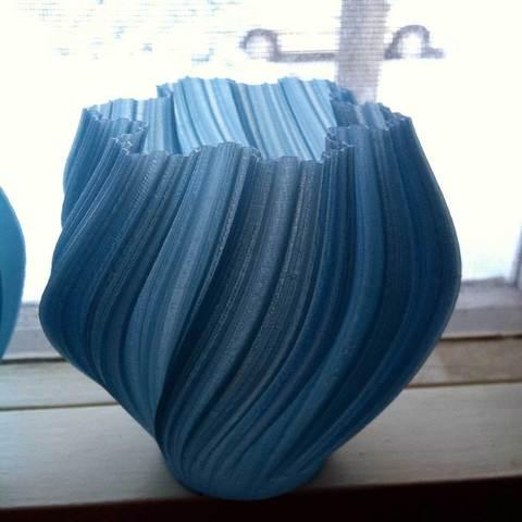 Download free 3D printer files Yet More Twisting Kochflake Vases, Revalia6D